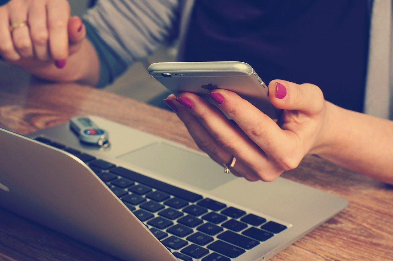 会社員が副業収入を確定申告する際におすすめの会計ソフト3選